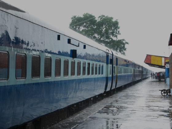 Mumbai Rains: Trains & Flights Delayed, Heavy Traffic Reported